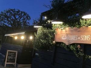 レストラン『Flores+Sons』