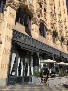 レストラン 『LA Chapter』