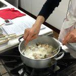ホワイトソルガムと鶏肉のフリカッセ_ブールマニエでとろみづけ