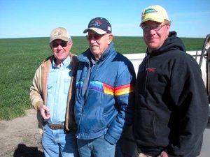父、祖父、スップスさん(右手前)