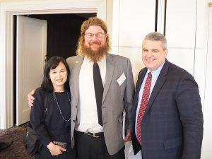 左からSorghum.jp編集長 星澤道代、スップスさん、アメリカ穀物協会 ワシントン本部 上級ディレクター ケアリー・シフェラス(2020年1月来日時)